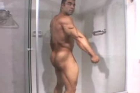 handsome Bodybuilder Cums For u