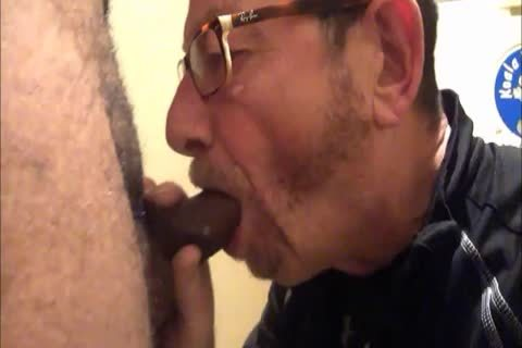 Daddy Meets A delightsome 18yo Bull On CraigsList.  They Meet In The Hotel's baths Where Daddy Sucks Then acquires pounded.  Finishes Off His Hung chick Swallowing His palatable sperm Then His lad Gives Daddy His last Treat By Pissing Down His throat