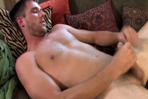 Buff babe Jerks Off His big 10-Pounder