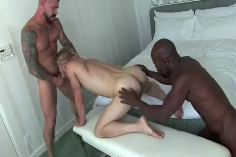 Www.xhamster.com/mov Daddies Laying dark
