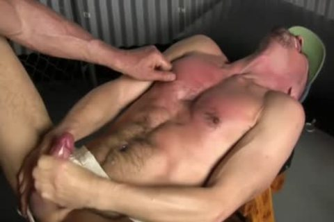 guy cums Barebacked