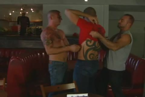 muscular Tatted Daddies 3some pound - BareSexyBoys.com