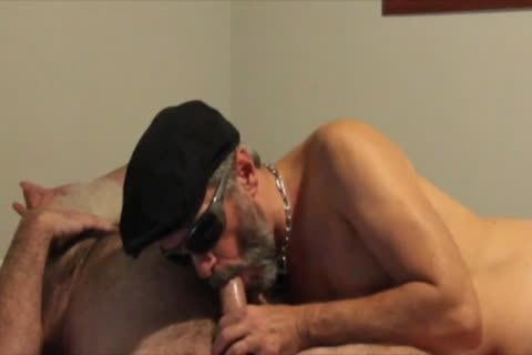 Barebacking A Bearded whore