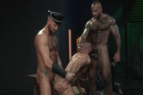 Muscle Bear three-some With ejaculation