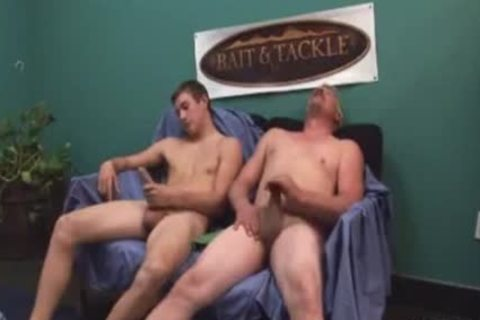 Disturbing father & son team jacking of t ...