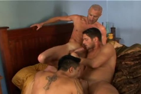 Tj and tommy blade gangbang at the bar