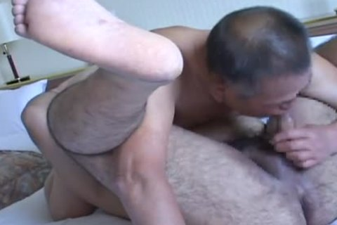 Romantic Sex betwixt Daddy And juvenile Japanese Bear