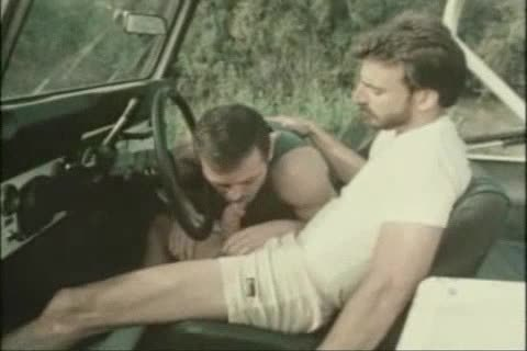 Vintage oral-stimulation-sex In A Car