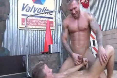 juicy Sex In Cruising Bar