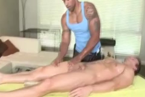 large Muscled cock Masseur Sucks palpitating rod