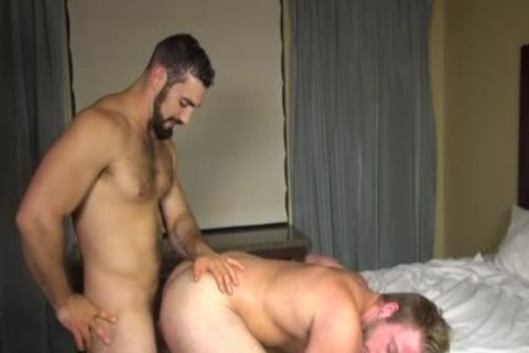 Muscle homo nailed doggystyle