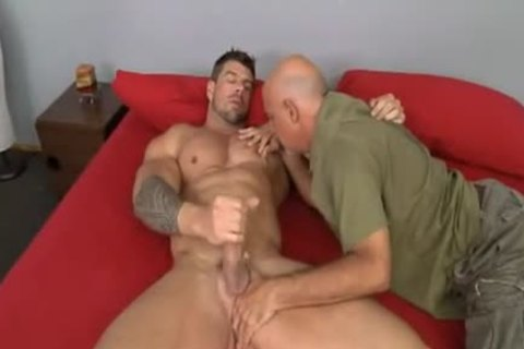 older chap bonks Muscle Hunk Zeb Atlas