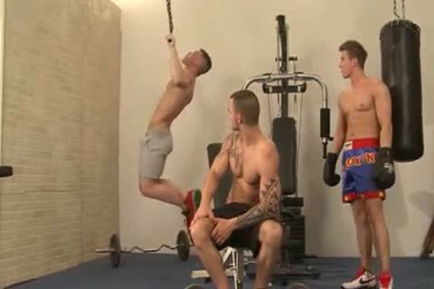 palatable Threeway At A Gym
