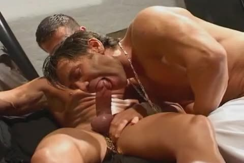 Dominating Spitting & Pissing Action