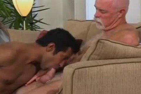 handsome Indian lad bonks White Daddy