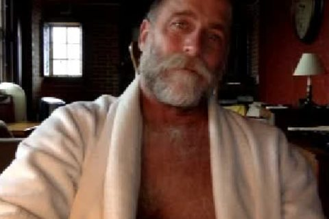 daddy Bear ,  Showing  His  admirable Body. admirable cumshot.