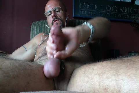 delicious Pig stroking On Xtube Got Me Soooo Turned On!