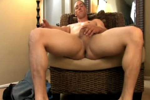 Two homo buff boyz engulfing penis and having butthole