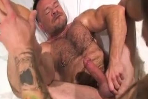 Two Muscle Daddies Flip-bone nude