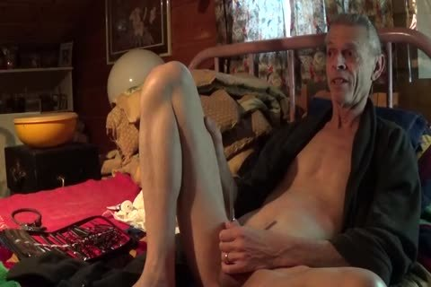 Engulfing a bulky penis and the session is tremendous