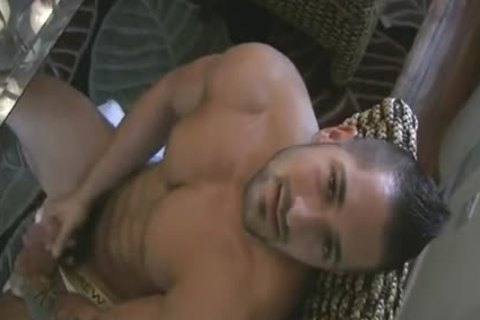 [GVC 108] gorgeous Muscle Hunk Beating Off