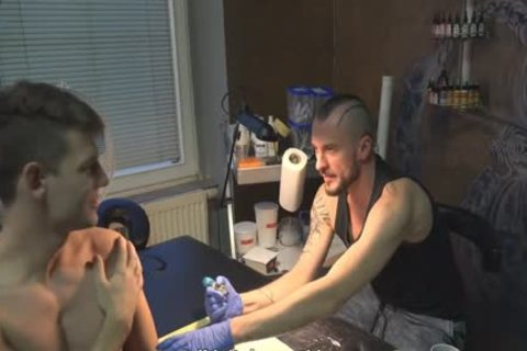 messy Sex For specie In A Tattoo Studio