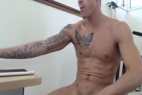 handsome guy Aidan Blue Beats His enormous penis To Perfection