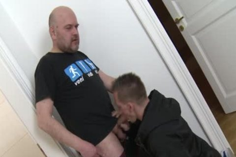 Straight twink Cocksucks daddy Trick For cash