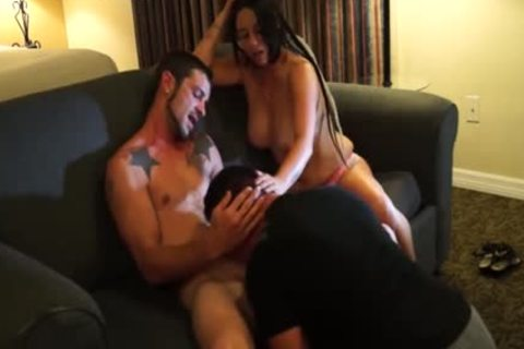 Hung Bi chap acquires Serviced With Girlfriend