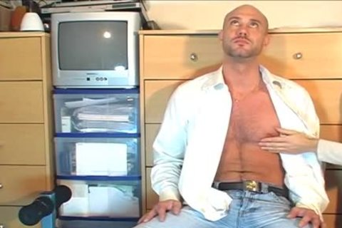 Full clip: A blameless straight Neighbour acquires Serviced His humongous 10-Pounder By A chap!