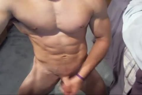 Fit Male Show sexy backdoor & 10-Pounder web camera - Jerkit.net
