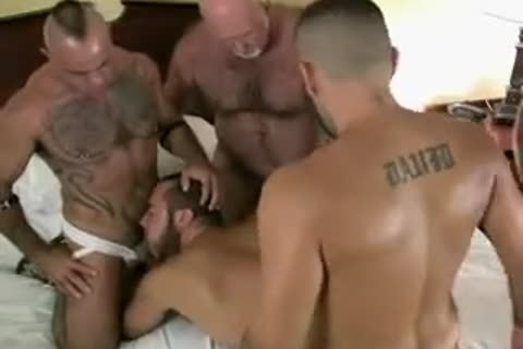 raw Bear Daddy bunch-sex