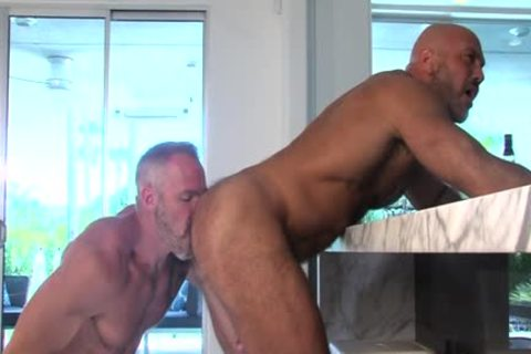 Straight guy blows gay cock after massage