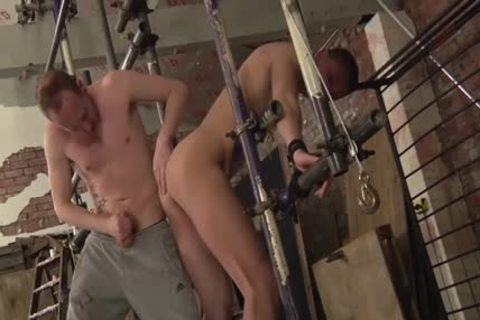Experienced Sean Taylor Taking Run train subrigid At A painfully bdsm Session And thrashing