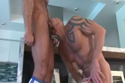 Muscle Bear Daddies Have Some enjoyment