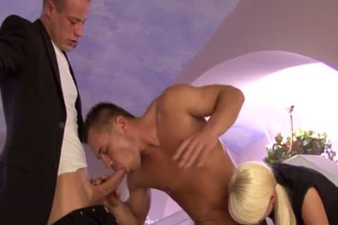 Chap bicurious sean returns for one greater quantity tug
