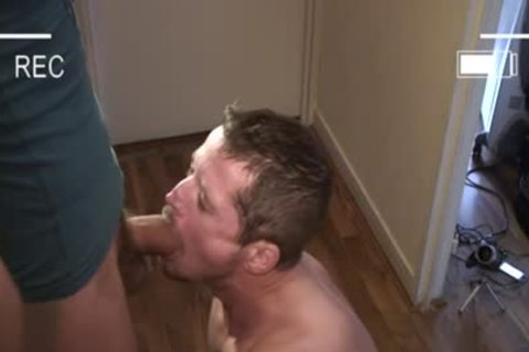 Muscle gay blowjob-service With Facial