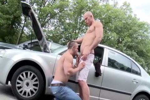 Muscle Daddy a bit of butt And cumshot