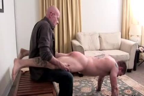 Muscle dilettante thrashing With sperm flow