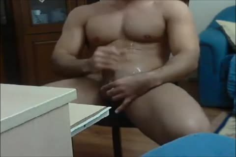 Turkish guy Masturbates