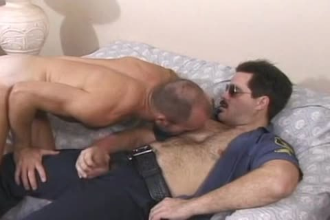Cop bonks Muscled twink