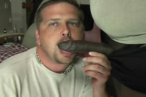 ROB BROWN: large SQUIRTIN penis.wmv