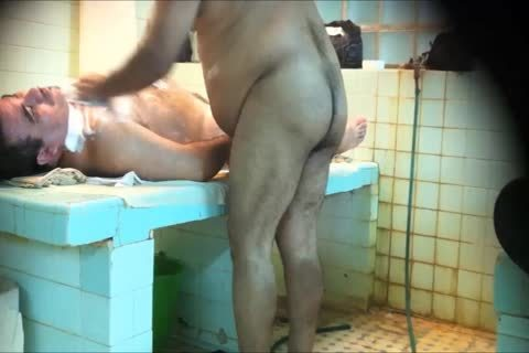 males SHOWERS 5