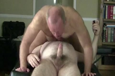 Homo hammering and engulfing