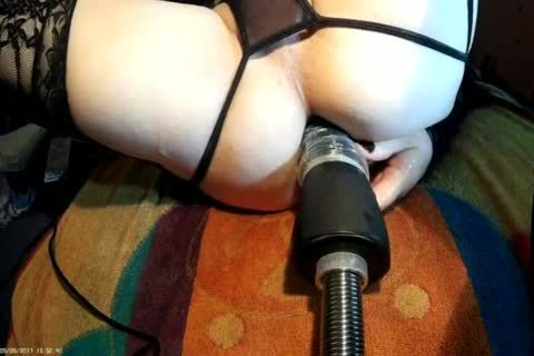 Fi Fi In darksome With nailing Machine HAND dildo FRONT