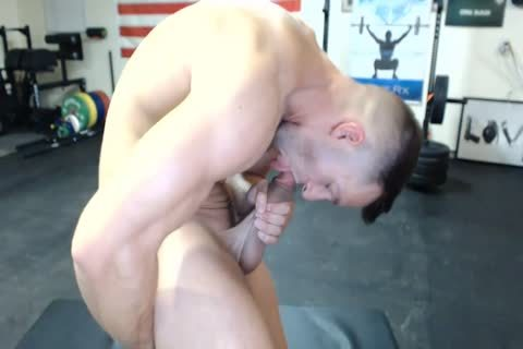 1-9 6 Muscle weenie Cums On web camera