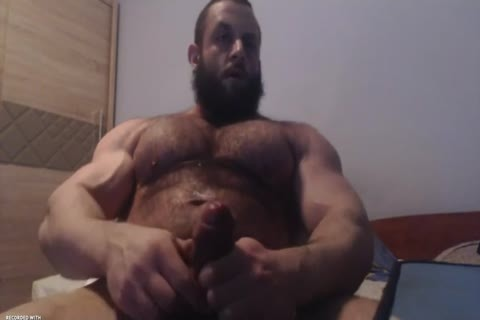 Muscle Bear Jerks Off On cam