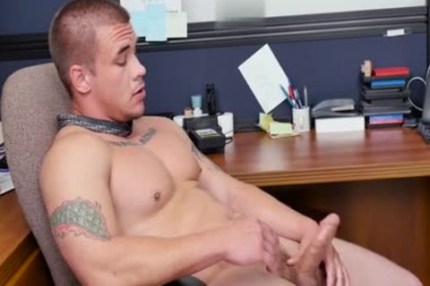 Muscle gay oral-job stimulation With Facial