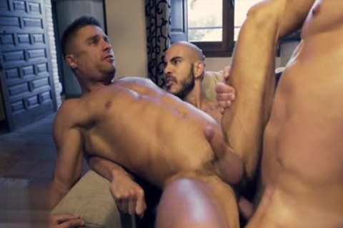 Muscle homosexual threesome And cumshot