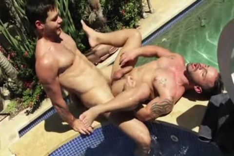 Latin homo Outdoor And Facial